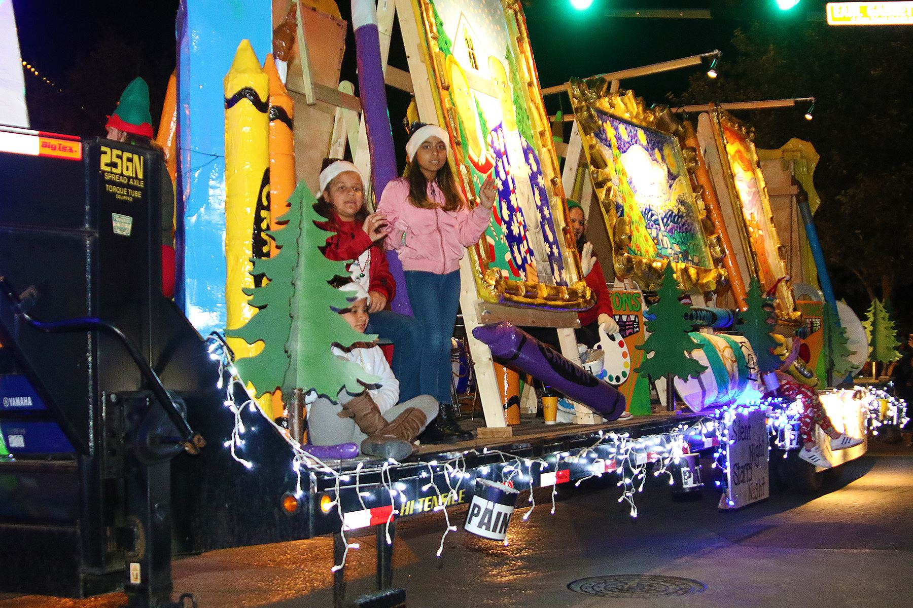 Holiday Lighted Parade | Kerrville TX   Official Website